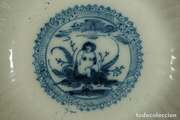 Antigüedades: GRAN FUENTE, PLATO. CERÁMICA TRIANA. SIGLO XVIII. - Foto 7 - 116161679