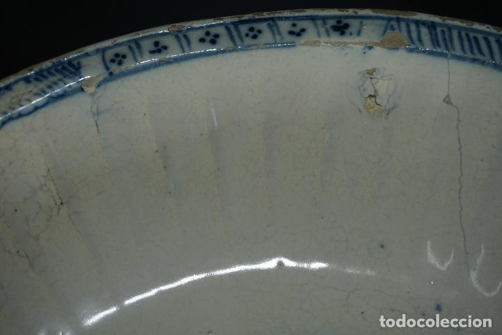 Antigüedades: GRAN FUENTE, PLATO. CERÁMICA TRIANA. SIGLO XVIII. - Foto 21 - 116161679