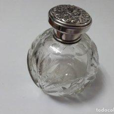 Antigüedades: PIEZA DE TOCADOR DE CRISTAL Y TAPON DE PLATA. Lote 116183903