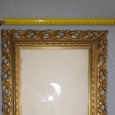 Antigüedades: MARCO ANTIGUO EN MADERA, PAN DE ORO Y CRISTAL. Lote 116274631