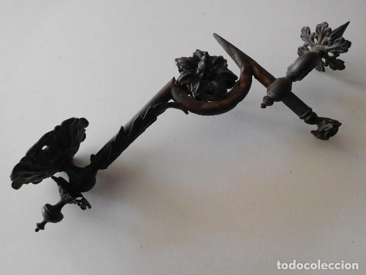 Antigüedades: Soporte modernista para lampara aplique original bronce - Foto 3 - 116279875