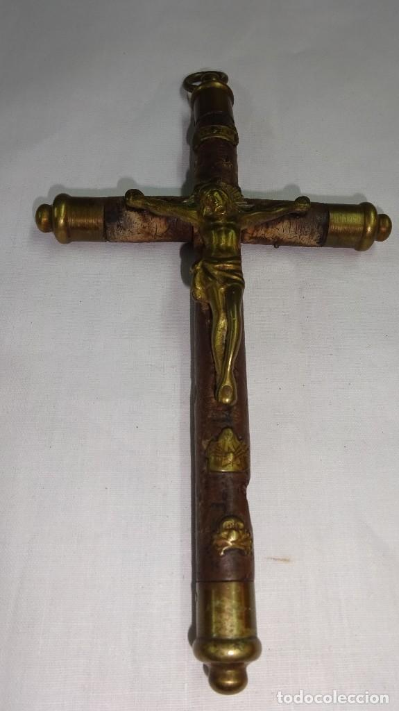 CRUCIFIJO PECTORAL SIGLO XIX, POCO COMÚN. (Antigüedades - Religiosas - Crucifijos Antiguos)