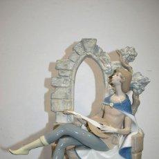 Antigüedades: ANTIGUA FIGURA DE PORCELANA VALENCIANA REX. Lote 116347423