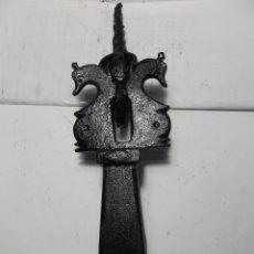 Antigüedades: LLAMADOR PARA PUERTA - HIERRO - ANTIGUO.. Lote 116365331