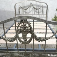 Antigüedades: ANTIGUA CAMA DE MATRIMONIO METÁLICA DE NIQUEL. COMPLETA. Lote 116393639