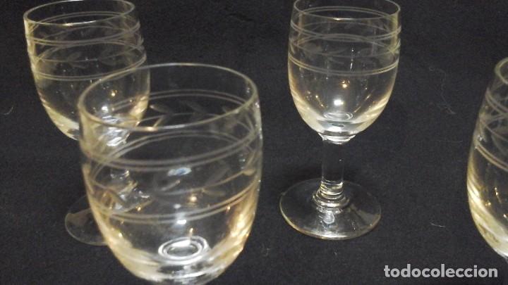 Antigüedades: Cuatro copas de jerez talladas .Finales Siglo XIX . - Foto 2 - 116395903