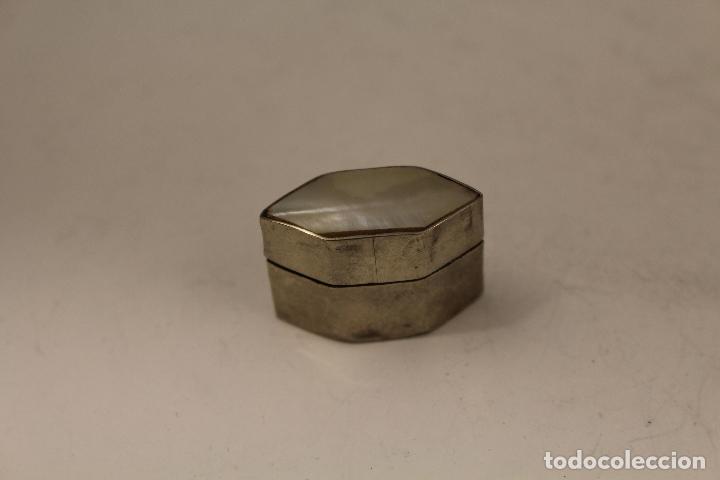 Antigüedades: cajita pastillero en plata de ley 925milesimas con nacar - Foto 5 - 125990148