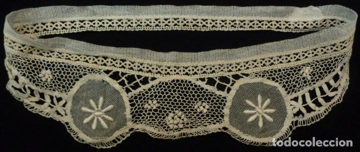 ANTIGUO CANESÚ DE ENCAJE S.XIX (Antigüedades - Moda - Encajes)