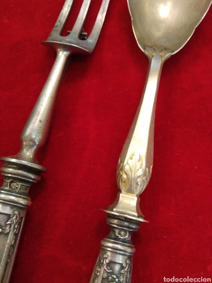 Antigüedades: Pareja de cubiertos de servir con mango de plata - Foto 7 - 116440286