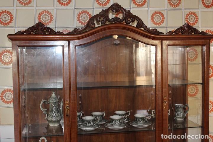 Antigüedades: ANTIGUA VITRINA ESTILO ISABELINO -¡NO SE ENVÍA! - Foto 3 - 116461031