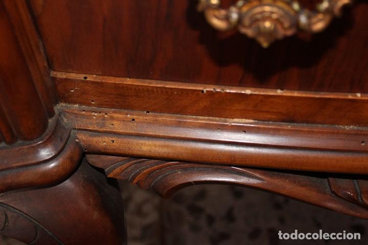 Antigüedades: ANTIGUA VITRINA ESTILO ISABELINO -¡NO SE ENVÍA! - Foto 8 - 116461031