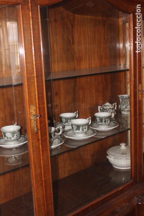 Antigüedades: ANTIGUA VITRINA ESTILO ISABELINO -¡NO SE ENVÍA! - Foto 11 - 116461031