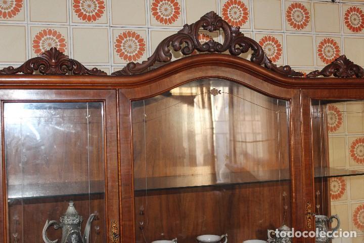 Antigüedades: ANTIGUA VITRINA ESTILO ISABELINO -¡NO SE ENVÍA! - Foto 12 - 116461031