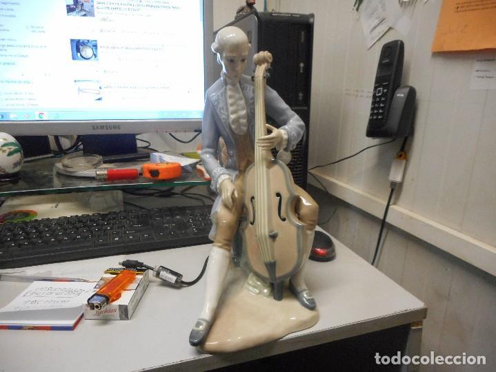 GRAN FIGURA LLADRO PORCELANA EPOCA TANG MUSICO EPOCA 34 CM ALTO (Antigüedades - Porcelanas y Cerámicas - Lladró)