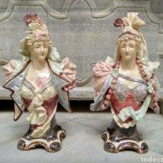 Antigüedades: PAREJA DE FIGURAS DE LOZA VIDRIADA ART NOUVEAU PINTADAS A MANO. Lote 116516622