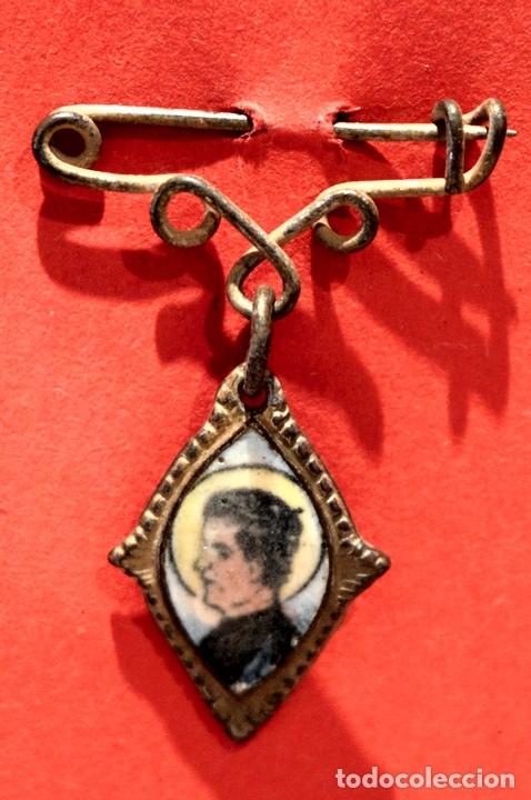 PEQUEÑA MEDALLA ESCAPULARIO SAN JUAN BOSCO IMAGEN EN PORCELANA (Antigüedades - Religiosas - Medallas Antiguas)