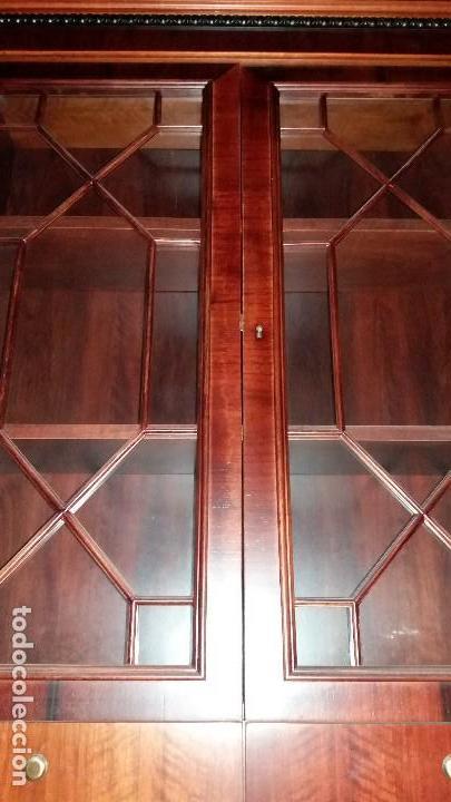 Antigüedades: Preciosa vitrina madera nogal - Foto 2 - 110569691