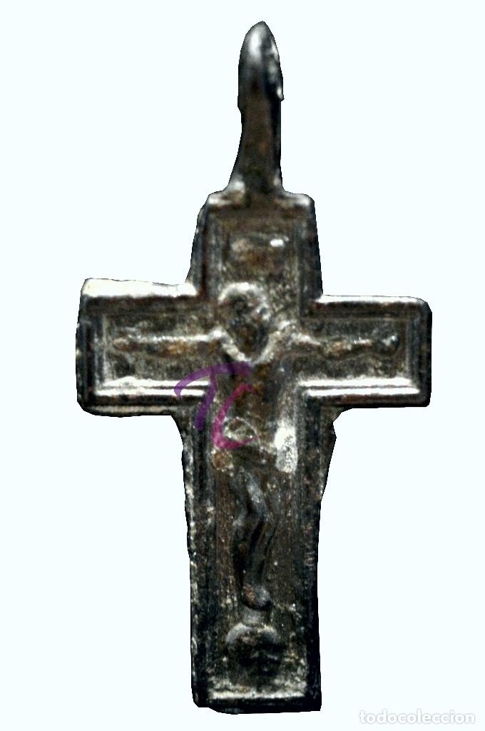 Antigüedades: ANTIGUA CRUZ COLGANTE EN BRONCE - Foto 2 - 114627963
