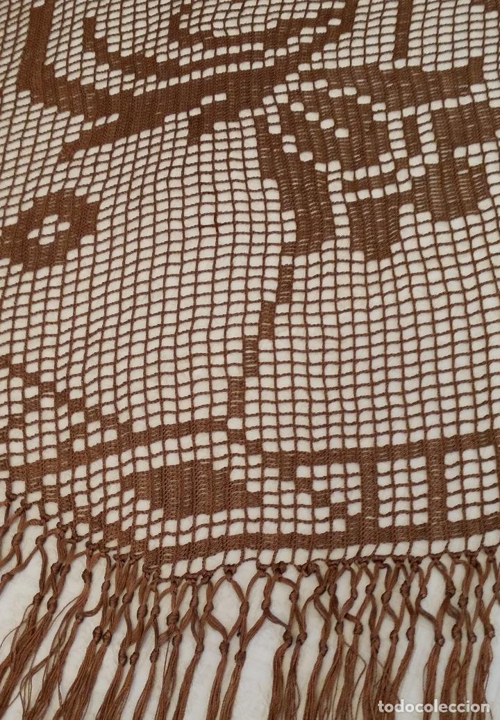 Antigüedades: Antiguo mantel Art Deco - seda marron - Foto 13 - 116633339