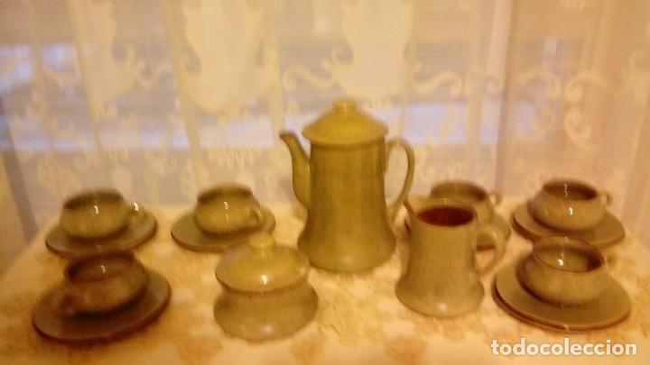 ARTESANAL, ANTIGUO JUEGO DE CAFE DE CERAMICA LA BISBAL DE ALFARERIA APARICIO DE DISEÑO AÑO 80 FIRMAD (Antigüedades - Porcelanas y Cerámicas - La Bisbal)