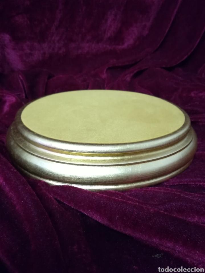 Antigüedades: Grupo caballos porcelana algora con peana pan de oro original 5cm - Foto 10 - 116674672