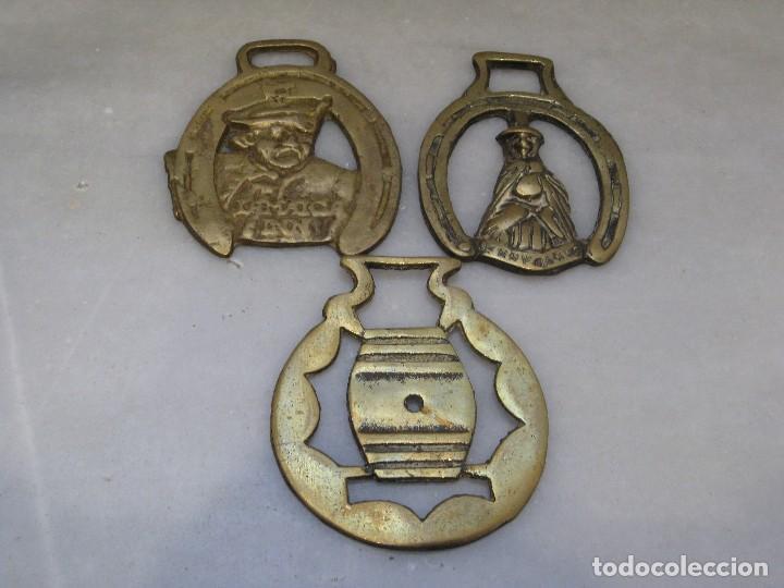 3 PLACAS ANTIGUAS DE BRONCE PARA CORREAJE DE CABALLO (Antigüedades - Técnicas - Rústicas - Caballería Antigua)