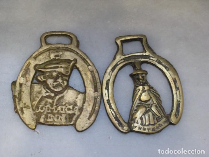 Antigüedades: 3 placas antiguas de bronce para correaje de caballo - Foto 2 - 116675483