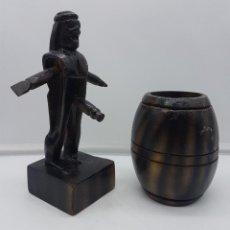 Antigüedades: GRACIOSA FIGURA SUDAMERICANA EN MADERA TALLADA DE MUÑECO ERÓTICO EN BARRIL QUE UNA SORPRESA!. Lote 116676999
