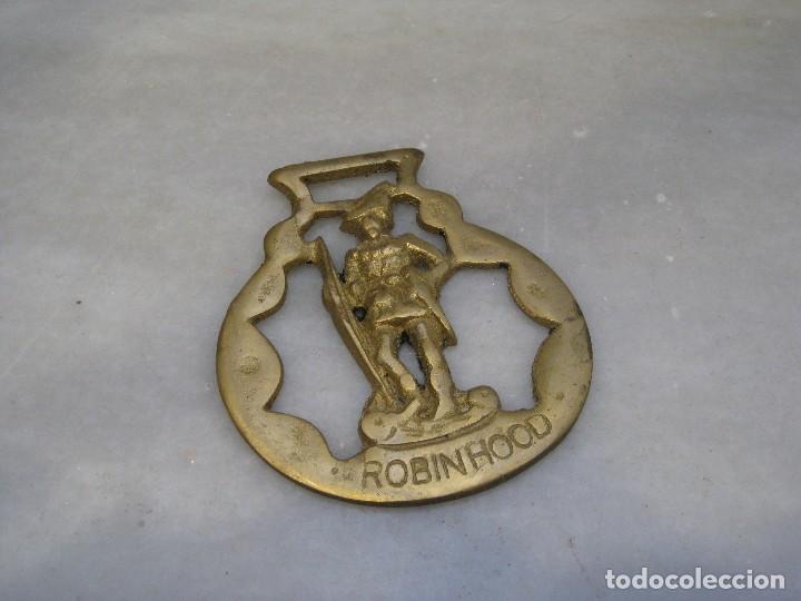 Antigüedades: 3 placas antiguas de bronce para correaje de caballo - Foto 3 - 116684047