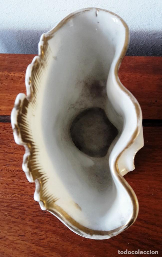 Antigüedades: Cigarrera isabelina de porcelana blanca y dorada - Foto 3 - 116695151