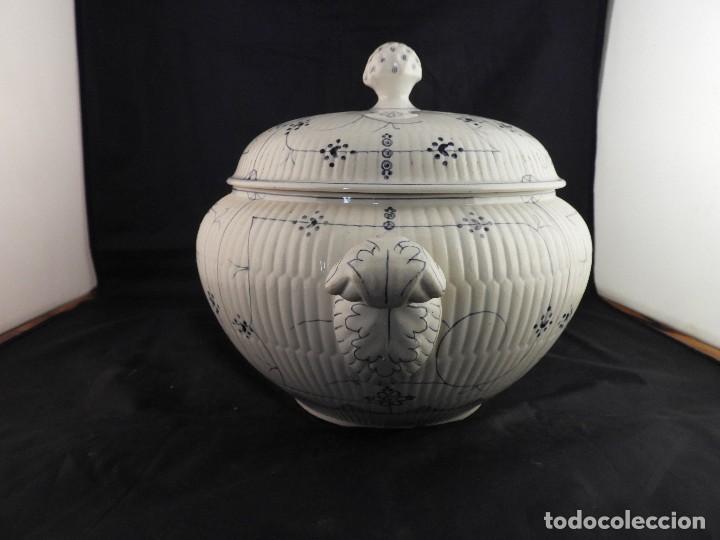 Antigüedades: SOPERA ANTIGUA DE CERAMICA VIDRIADA FIRMADA SARREGUEMINES - Foto 6 - 116816719