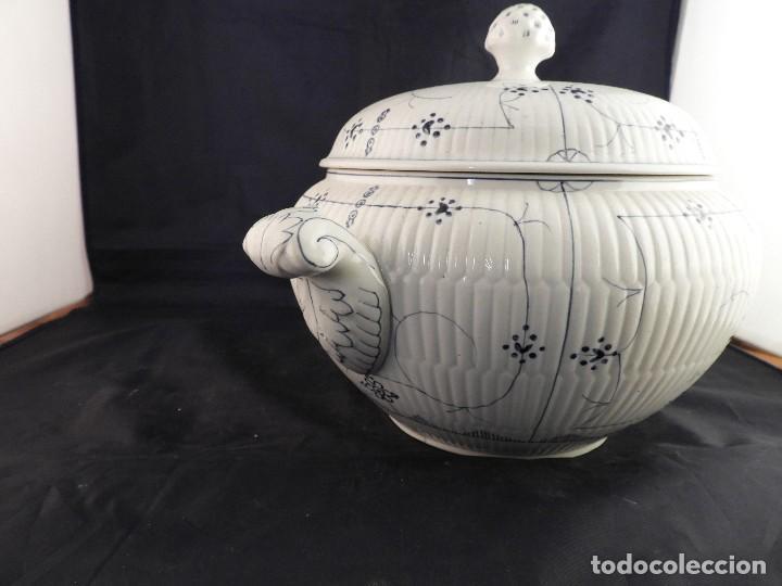 Antigüedades: SOPERA ANTIGUA DE CERAMICA VIDRIADA FIRMADA SARREGUEMINES - Foto 8 - 116816719