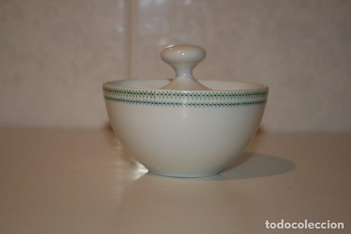 Antigüedades: 72 piezas de vajilla de porcelana Bidasoa. Año 1969. - Foto 19 - 116868231