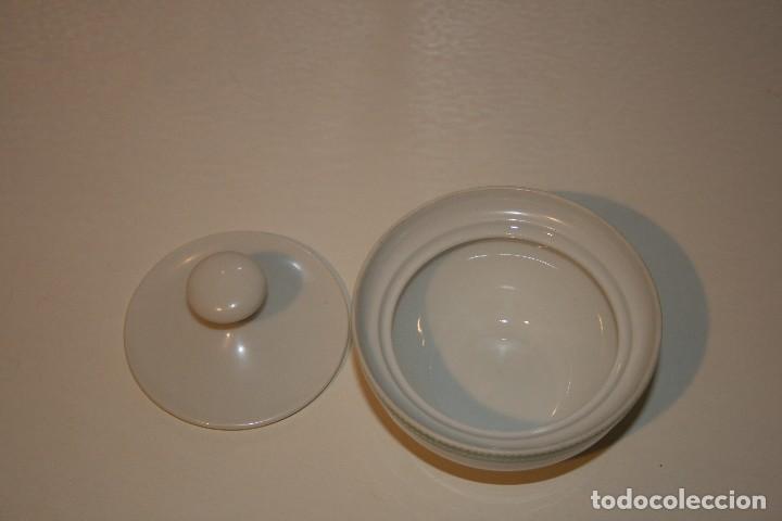 Antigüedades: 72 piezas de vajilla de porcelana Bidasoa. Año 1969. - Foto 20 - 116868231