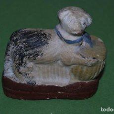 Antigüedades: FIGURA DE TERRACOTA - PERRO - PRIMERA MITAD SIGLO XIX. Lote 116908287