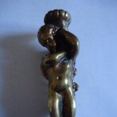 Antigüedades: APLICACIÓN GUARNICIÓN, ANGELITO EN BRONCE ALTURA 12 CMS. DIÁMETRO 3,5 CMS.. Lote 116949403