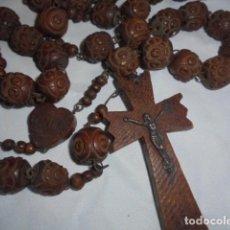 Antigüedades: IMPRESIONANTE ROSARIO ANTIGUO DE BOLAS DE MADERA TALLADA. Lote 116953095
