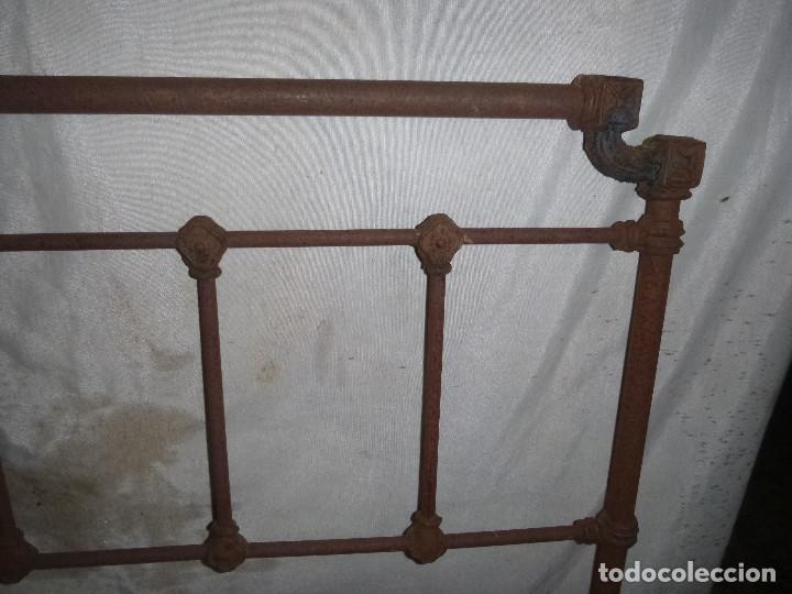 ANTIGUA CAMA DE HIERRO, PARA RESTAURAR Y DECORAR (Antigüedades - Muebles Antiguos - Camas Antiguas)
