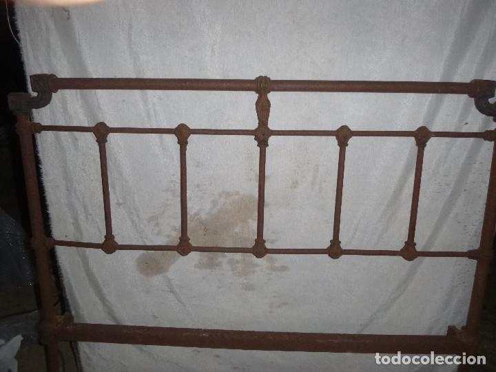 Antigüedades: ANTIGUA CAMA DE HIERRO, PARA RESTAURAR Y DECORAR - Foto 4 - 116958659