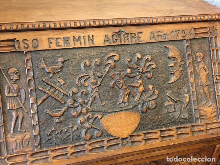 Antigüedades: Escritorio tallado en madera de roble - Foto 2 - 116968911