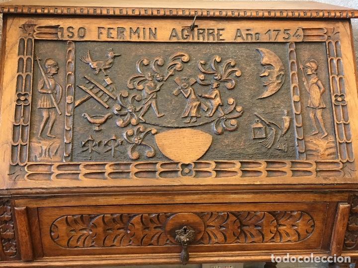 Antigüedades: Escritorio tallado en madera de roble - Foto 4 - 116968911