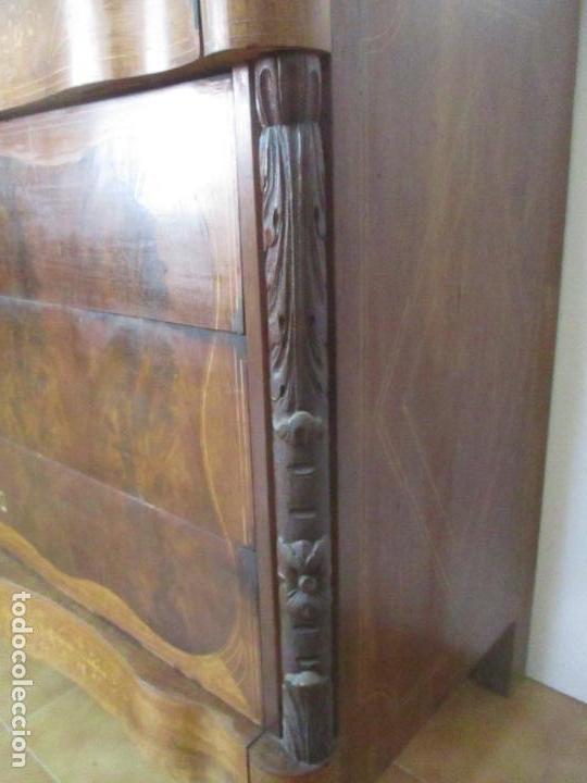 Antigüedades: Cómoda Isabelina - Madera de Caoba - Marquetería - con finas Tallas - S. XIX - Foto 13 - 116993451