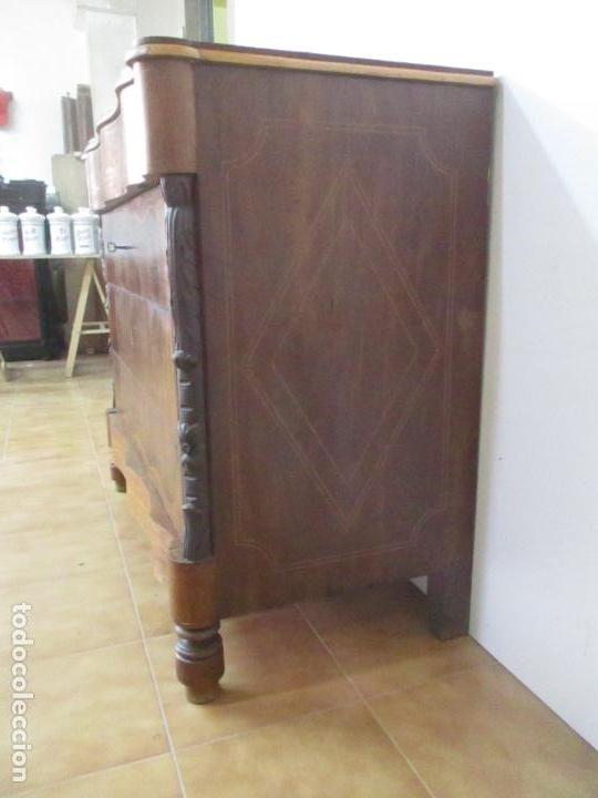 Antigüedades: Cómoda Isabelina - Madera de Caoba - Marquetería - con finas Tallas - S. XIX - Foto 14 - 116993451