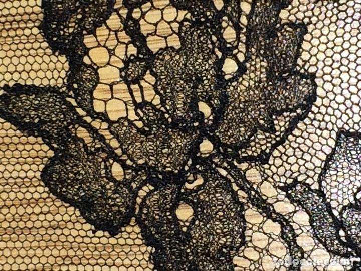 Antigüedades: GRAN MANTILLA.230X100. TUL Y ENCAJE SEMI-MECÁNICO. ESPAÑA. CIRCA 1930 - Foto 6 - 117024767