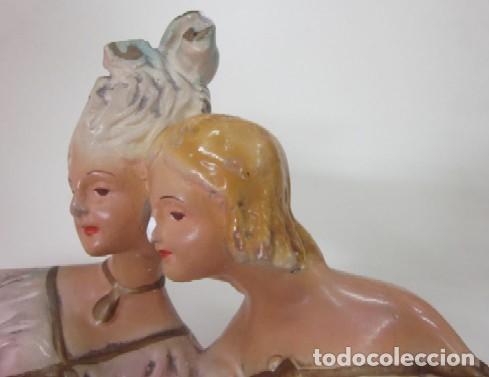 Antigüedades: FIGURA MODERNISTA - DOS DAMAS DECIOCHESCAS - Foto 5 - 117030343