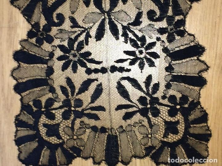 Antigüedades: MANTILLA. BORDADO SEMIMANUALSOBRE TUL. ESPAÑA. CIRCA 1930 - Foto 2 - 117034907