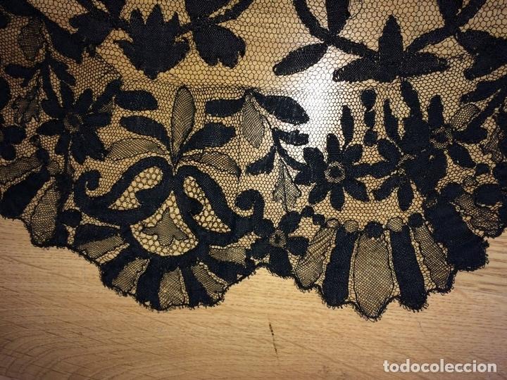 Antigüedades: MANTILLA. BORDADO SEMIMANUALSOBRE TUL. ESPAÑA. CIRCA 1930 - Foto 5 - 117034907