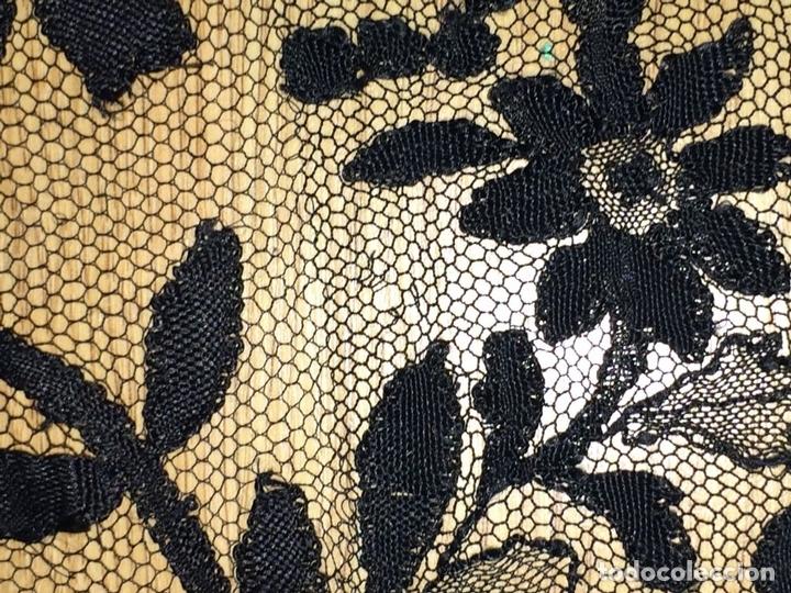 Antigüedades: MANTILLA. BORDADO SEMIMANUALSOBRE TUL. ESPAÑA. CIRCA 1930 - Foto 12 - 117034907