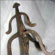Antigüedades: HIERRO DE GANADERÍA, DIVISA DE MARCAR LAS RESES BRAVAS, SOBRE S. XVIII / XIX. Lote 117039979