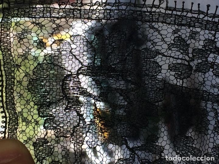 Antigüedades: MANTILLA. BORDADO SEMIMANUAL SOBRE TUL. SEDA O VISCOSA. ESPAÑA. CIRCA 1950 - Foto 9 - 117041915